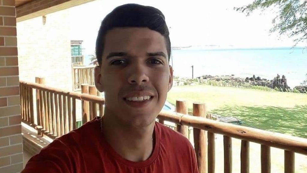 Un joven piloto de motocross muere en plena competición tras un espectacular accidente en Brasil