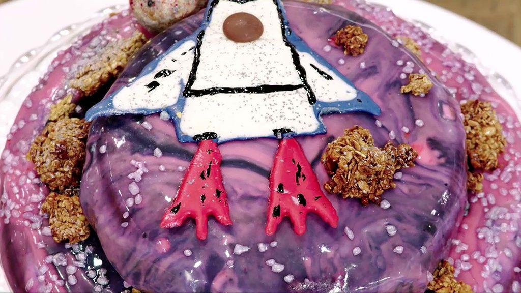 Aprende a hacer la tarta de cumpleaños espacial de Rubén, paso a paso