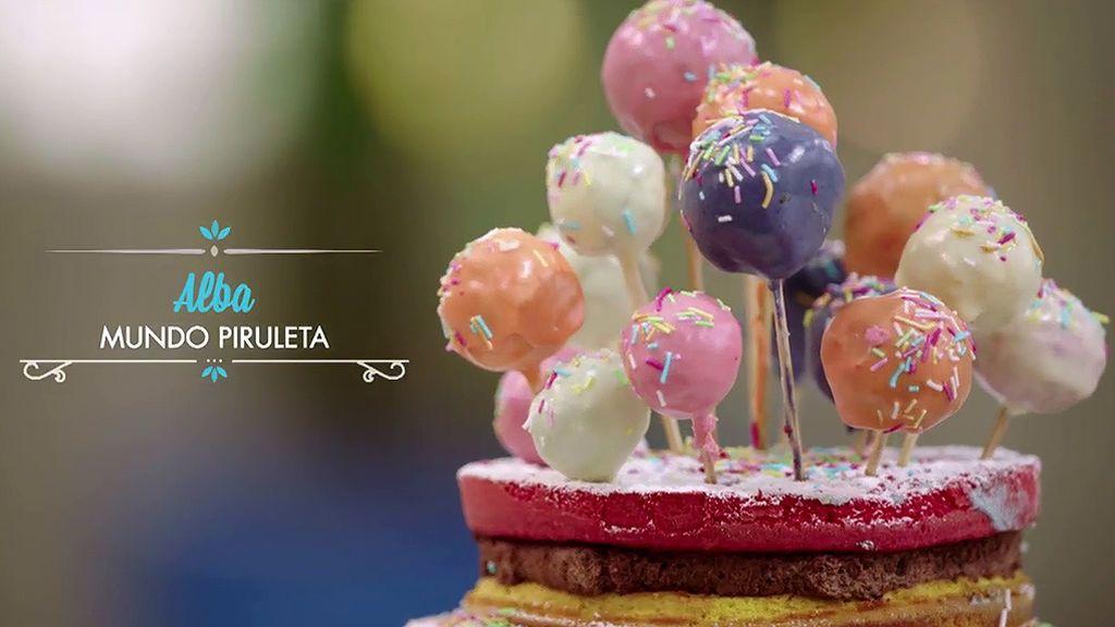 La apuesta más dulce de Alba: Tarta arcoiris, cakepops y algodón de azúcar