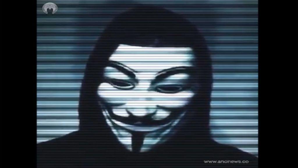 """""""Liberen a Julian Assange o lo pagarán"""": Anonymous amenaza a """"quienes participaron en el arresto"""""""