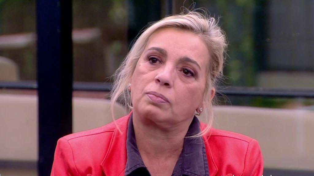 """Carmen Borrego acude al hospital tras el tartazo de Payasín: """"Tengo el cuello inflamado"""""""