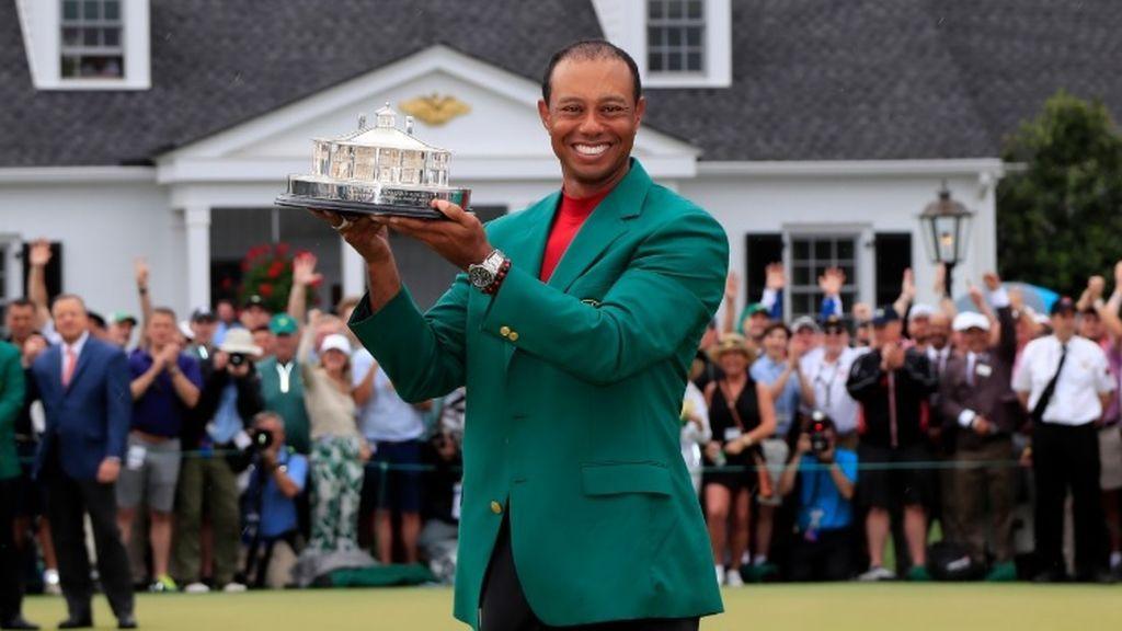Emocionante abrazo entre Tiger Woods y su hijo tras cosechar el Masters de Augusta