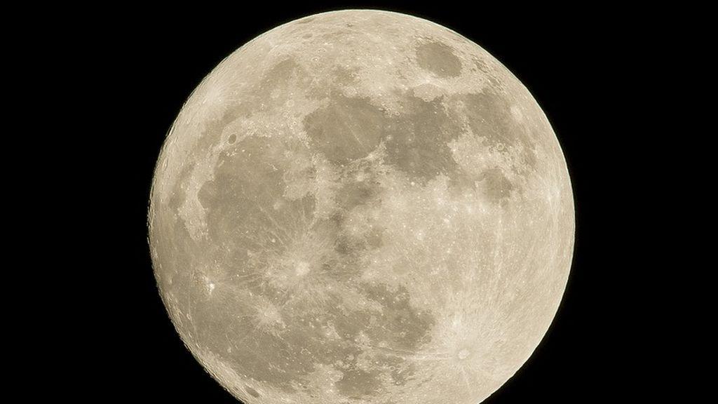 Te explicamos el motivo por el que en Semana Santa siempre hay luna llena