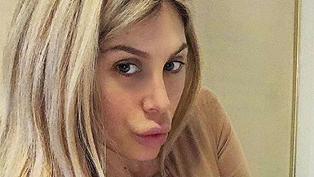 Paola Caruso 'SV', muy criticada por posar en ropa interior tras ser mamá
