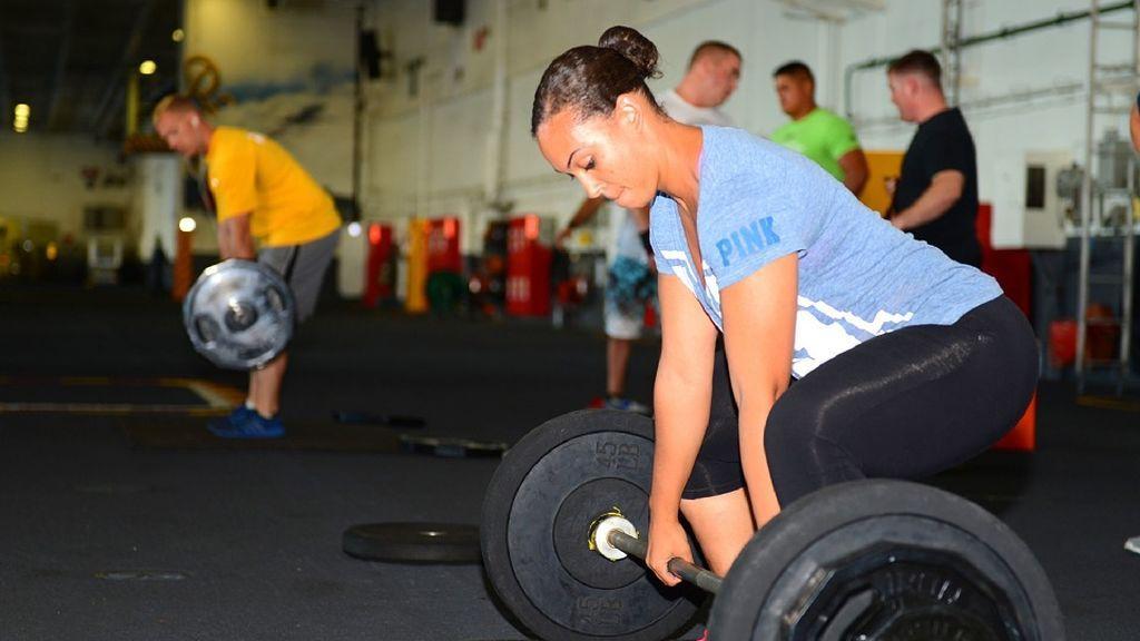 'Levantar pesas' aumenta la esperanza de vida, según un estudio