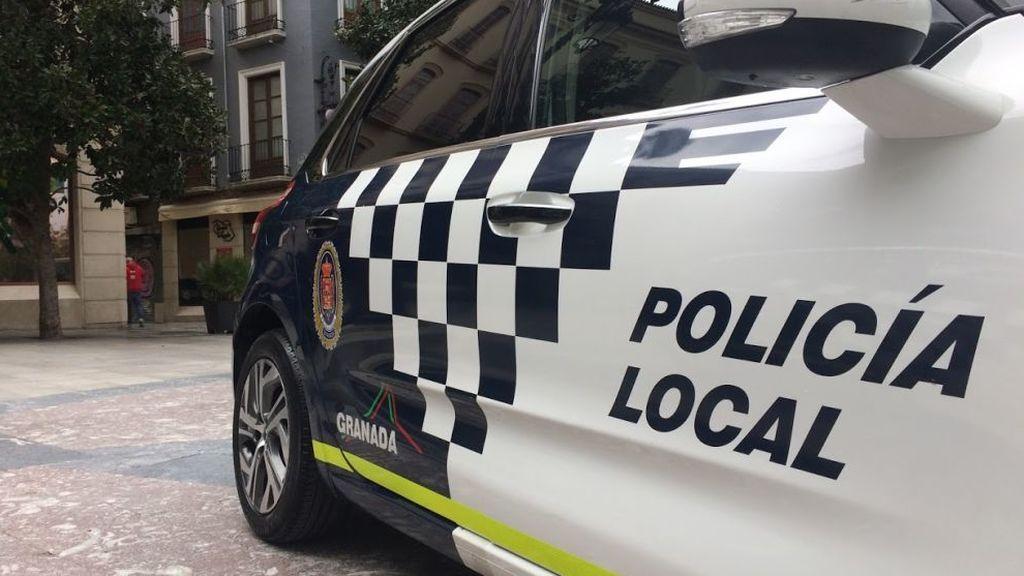 Detenido en Granada acusado de masturbarse ante menores durante el paso de las procesiones
