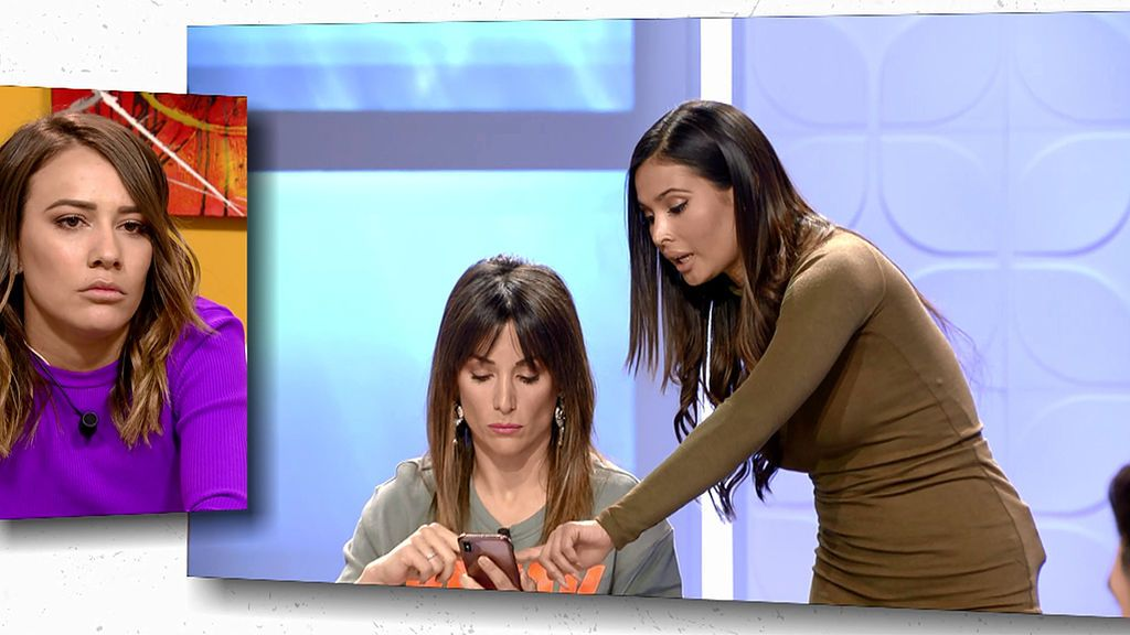 Nagore lee los mensajes de Silvia y Kathy sobre su viaje a Dubái