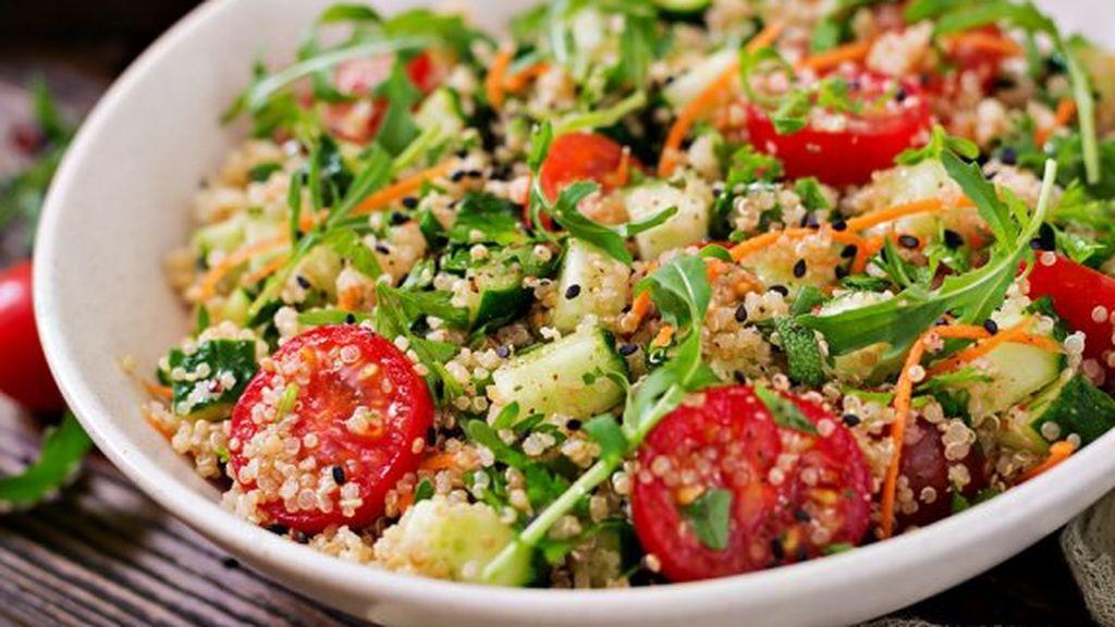 deliciosas-ensaladas-con-quinoa-saludables-576x384