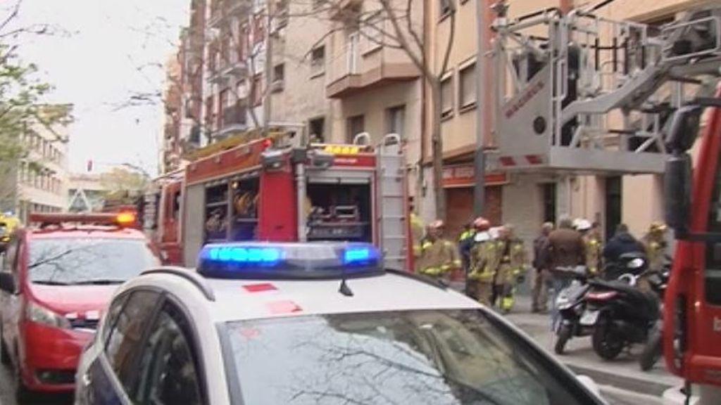 Incendio en un piso de Hospitalet de  Llobregat:  Muere un niño y un hombre
