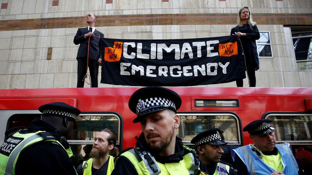 Más de 400 los detenidos en el marco de las protestas contra el cambio climático en Londres