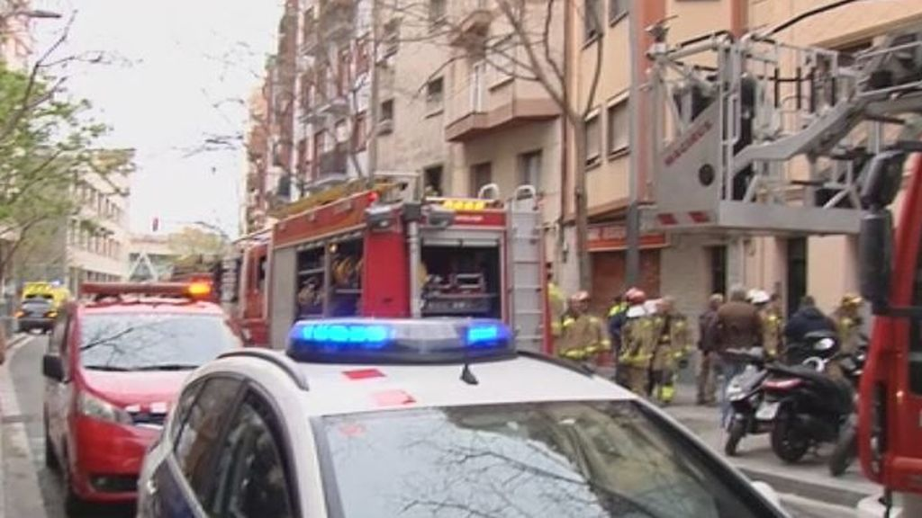 Dos menores y su madre fallecidos en el incendio de un piso en L'Hospitalet (Barcelona)