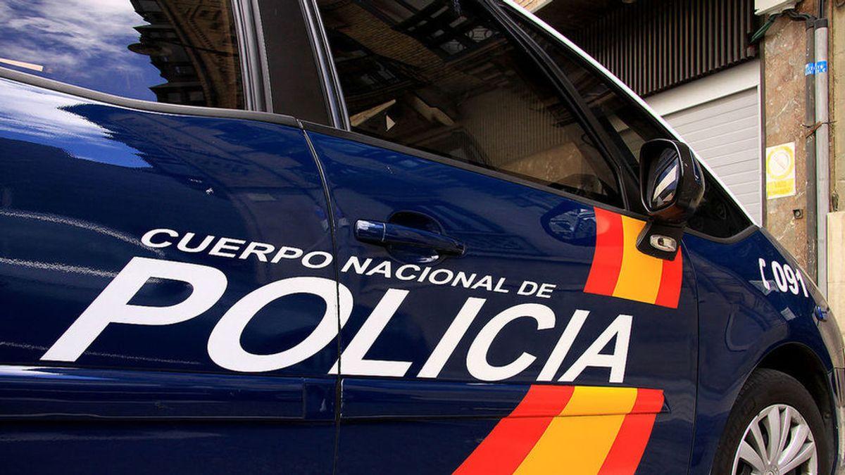 Detenidas tres personas por agredir al propietario de una vivienda a la que intentaban acceder en Dénia