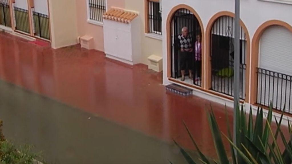 Las inundaciones 'arruinan' la Semana Santa en Torrevieja