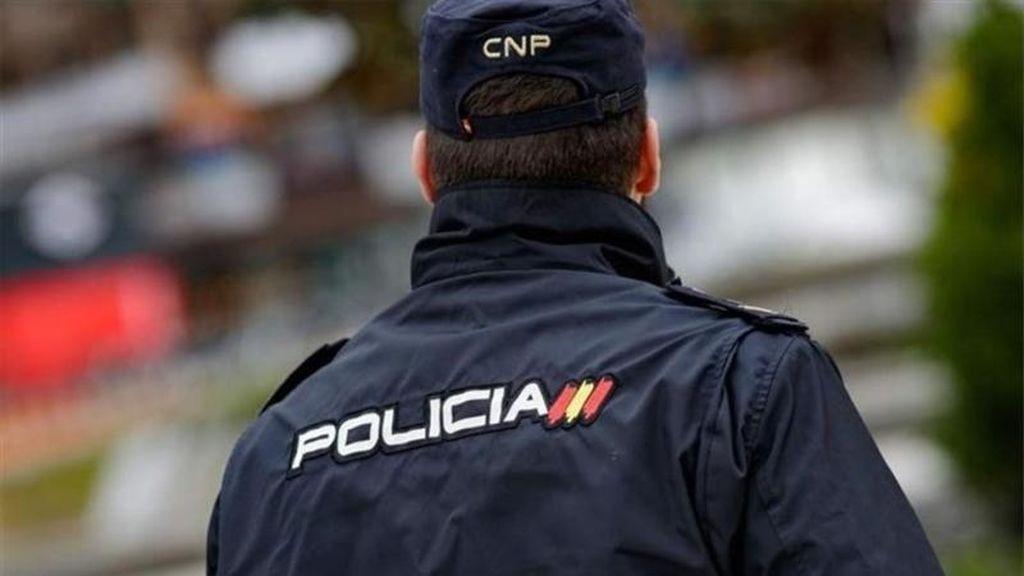 Detienen a un hombre que intento embestir a un grupo de personas con su coche en Ibiza