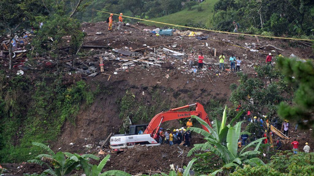 Casi 20 muertos en Colombia por un deslizamiento de tierra tras las lluvias torrenciales