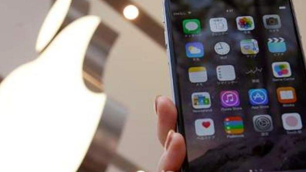 Reclama 1.000 millones a Apple tras ser detenido por un error en su reconocimiento facial