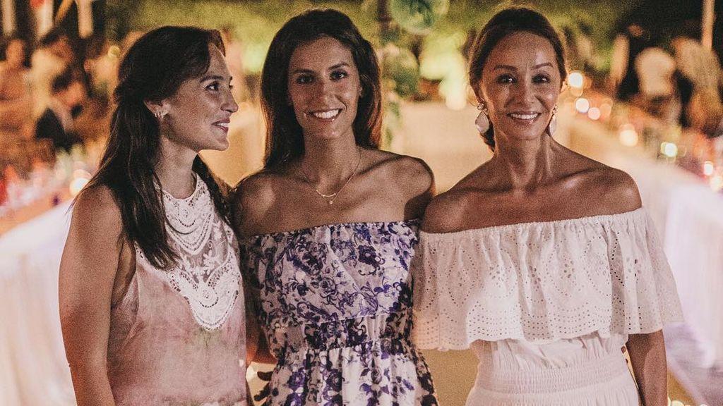 """La foto ochentera en familia de Tamara Falcó: """"¡Y pensar que ahora Ana Boyer es mami!"""""""