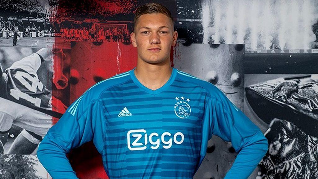 El Ajax 'castiga' a su nuevo fichaje tras sus mensajes cuando era pequeño en contra del club