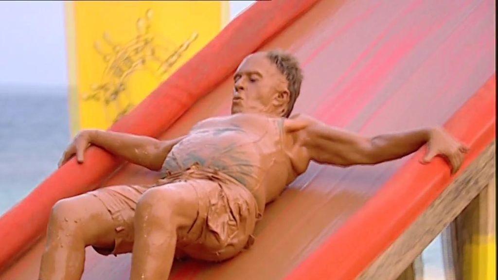 Los mejores memes del estreno de 'Supervivientes': del salto de Pantoja, al look de Chelo en el barro