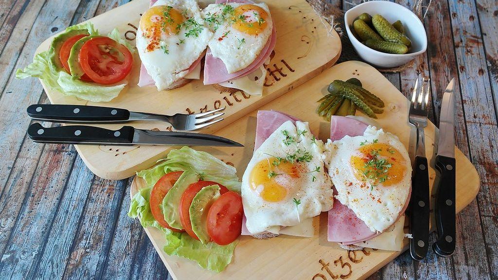 Qué es mejor ¿comer la clara o la yema del huevo?