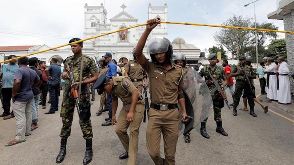 La Policía busca a 140 sospechosos del atentado en Sri Lanka