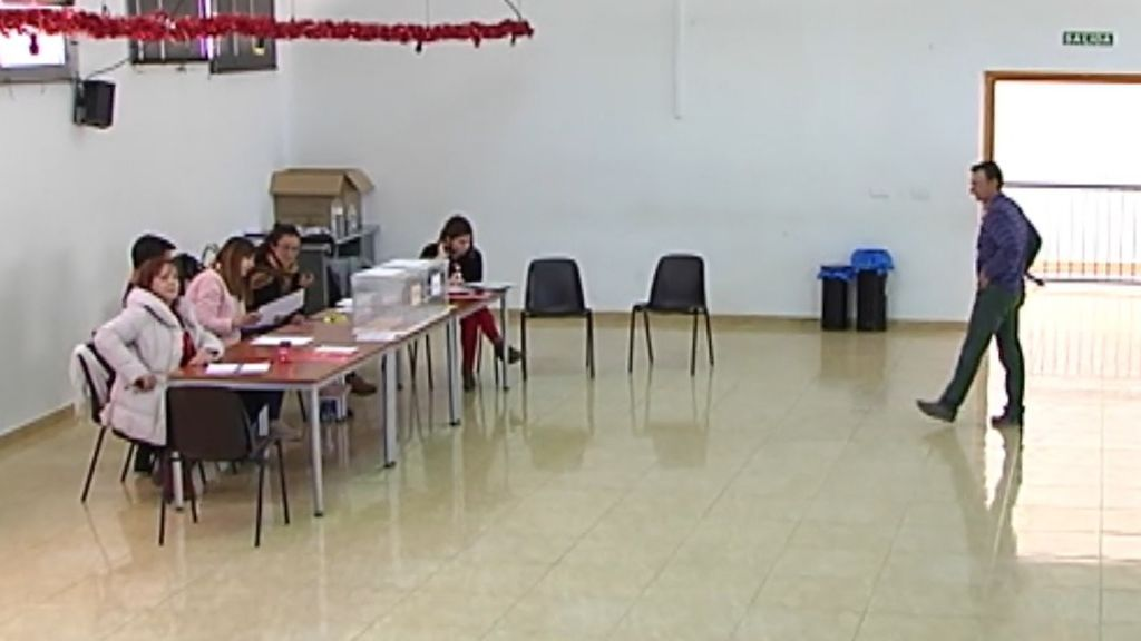 Una de las mesas más aburridas de España: el pueblo en el que solo ha votado el 1% de la población