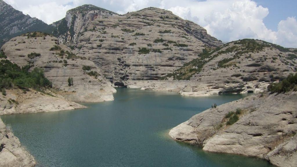 Evacúan a Huesca el cadáver del niño francés ahogado en un barranco