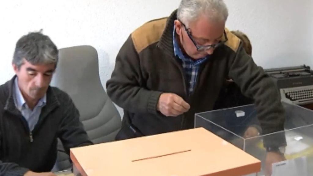 Monjas, ancianos y los seis censados de un pueblo que votan en apenas 40 segundos: curiosidades de las elecciones generales