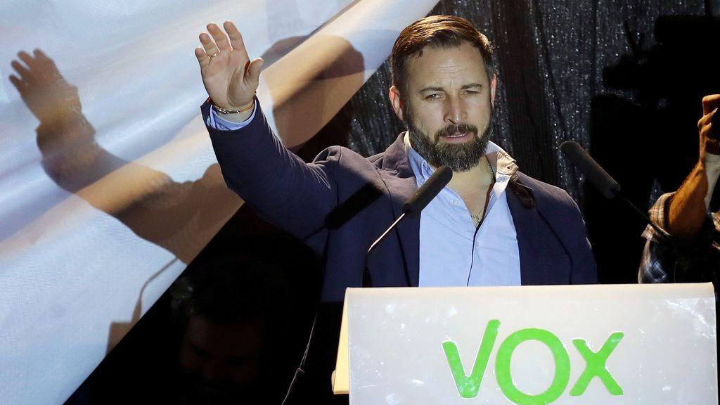 """Abascal levanta el ánimo de sus seguidores: """"Es solo el principio. Vox ha venido para quedarse"""""""