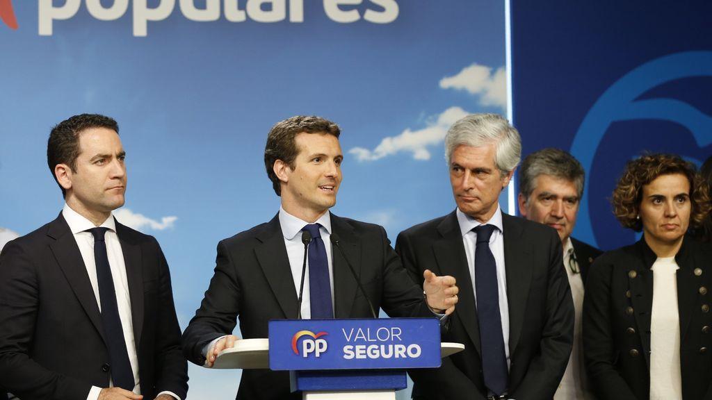 """Casado admite que el resultado del PP es """"muy malo"""" y pide al PSOE un Gobierno sin los independentistas"""