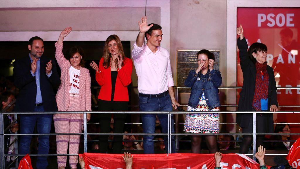 La victoria incontestable del PSOE: Tiñe el mapa de rojo 11 años después de su último triunfo en unas generales