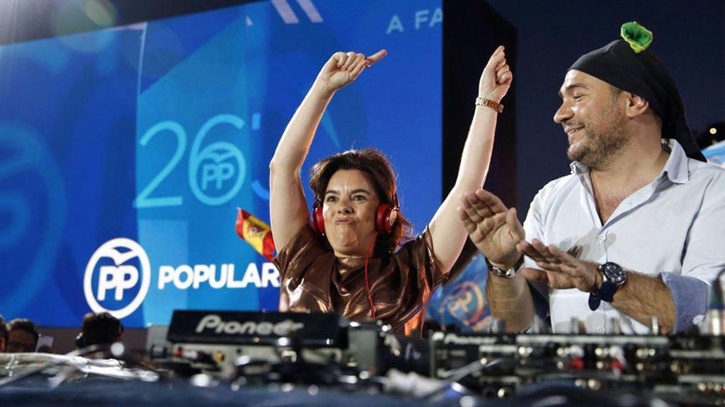Los mejores memes de las elecciones generales: Soraya Sáenz de Santamaría en versión DJ