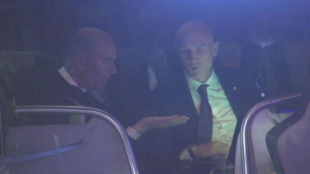 La reacción de Zidane al ver una jugada en el autobús de vuelta a Valdebebas tras perder contra el Rayo