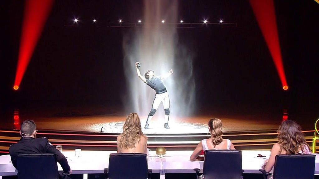 Arturo Fajardo derrocha arte con su baile pero un comentario de Risto Mejide siembra la discordia...