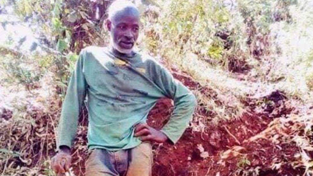 El señor Muchami, el héroe de la aldea de Kaganda que construyó una carretera con sus manos