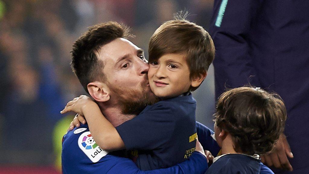 """El emotivo mensaje que recibió el hijo de Messi de otros niños: """"Te queremos contar que queremos a tu papa"""""""
