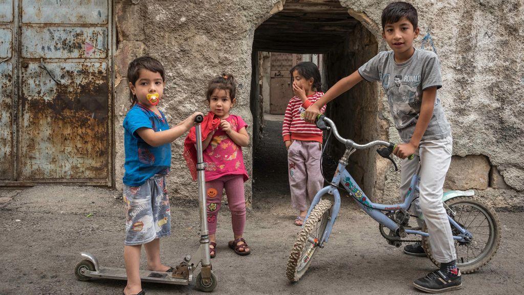 El deporte como forma de vida: Cada niño que convenza a su padre para dejar de fumar recibe una bicicleta gratis