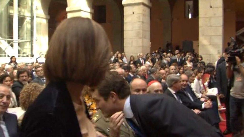 Casado ni mira a Garrido en los actos del Día de la Comunidad en Madrid