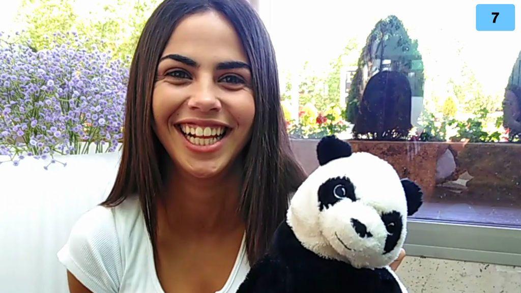 Lila Mangriñán estrena su canal y cuenta las travesuras que Violeta y ella hicieron de niñas (2/2)