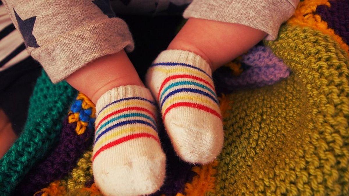 Los calcetines de tu bebé pueden tener sustancias tóxica que pueden causar hiperactividad u obesidad