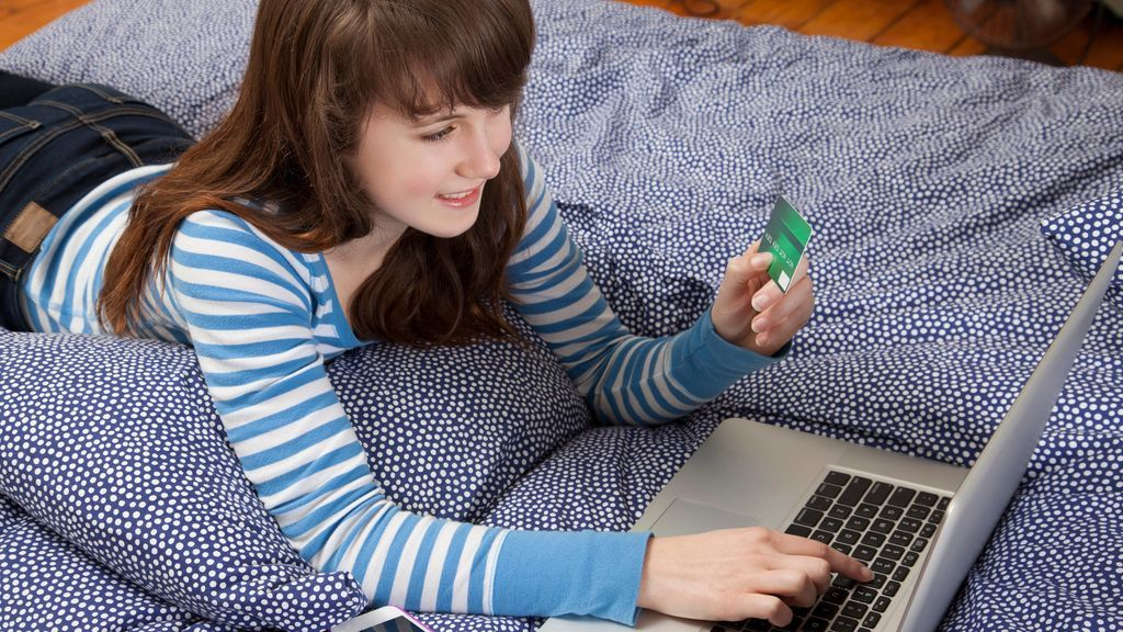 Tengo 23 años, soy adicta a comprar por internet y he tenido que pedir ayuda psicológica