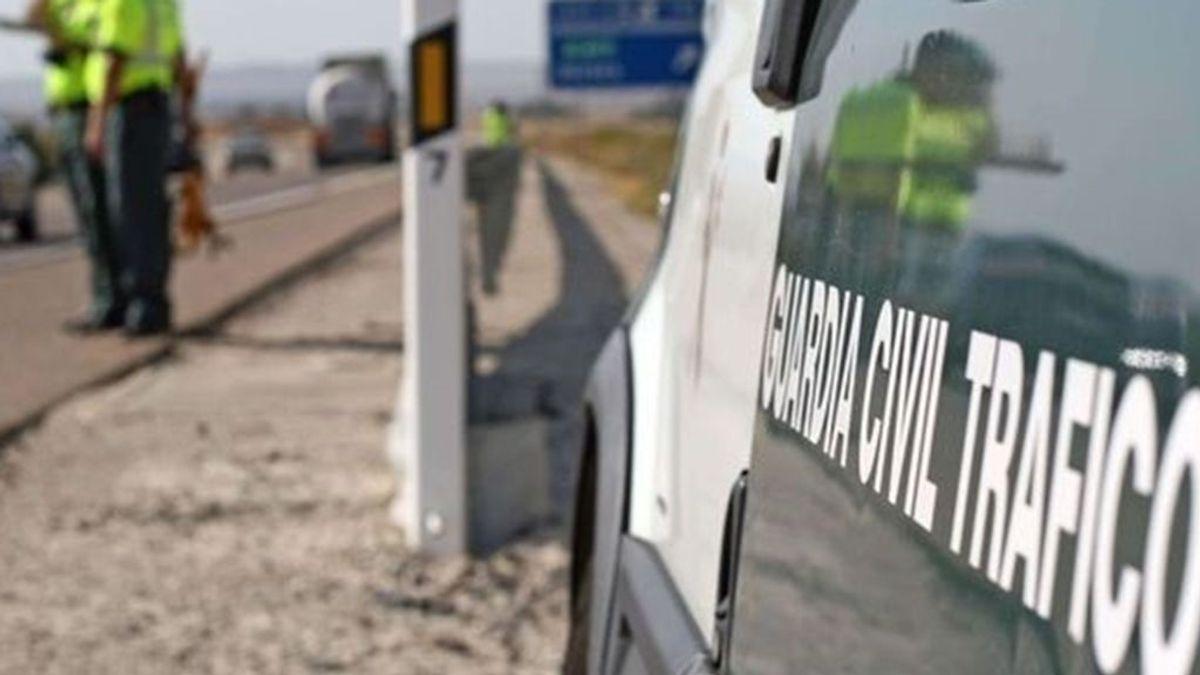 Mueren un padre y su hija resulta herida en un accidente de coche en Lebrija