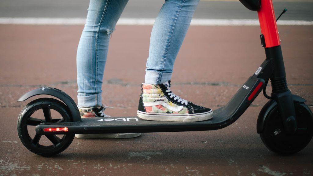 Fallece el joven del patinete que chocó contra una moto en Valencia