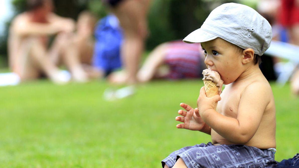 Ojo con estos 6 alimentos en los más pequeños: ¿Qué no deben comer y hasta cuándo?