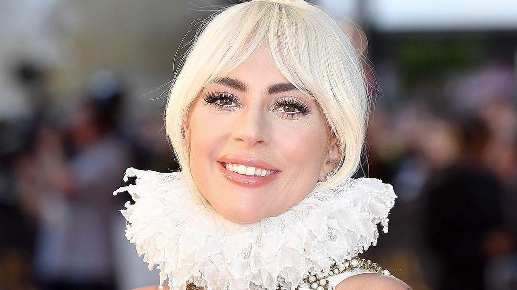 """Lady Gaga muestra sus piernas sin depilar para la Gala Met 2019: """"Completan mi look"""""""