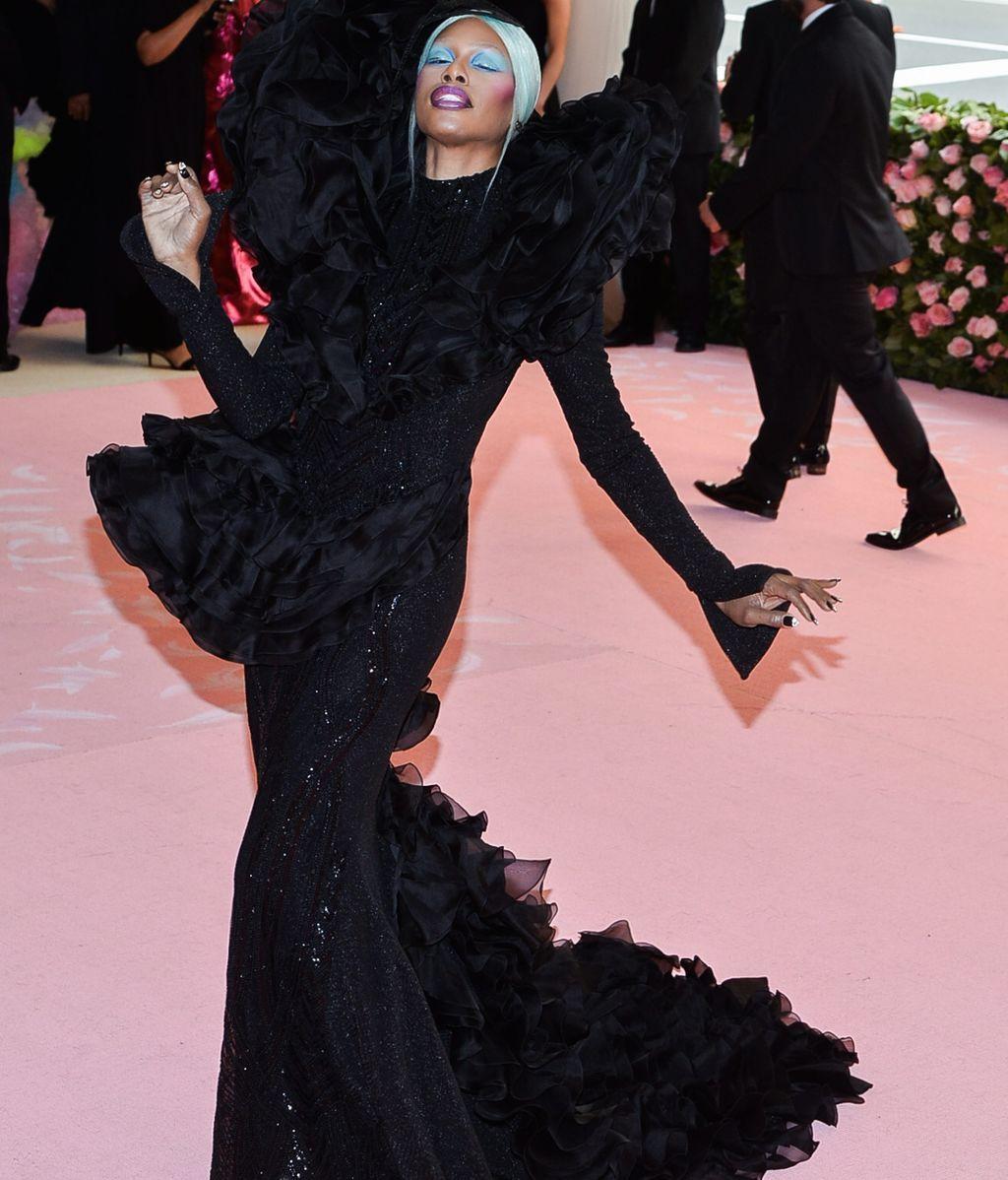 La actriz Laverne Cox, de la serie Orange is the new black, con vestido de Christian Siriano