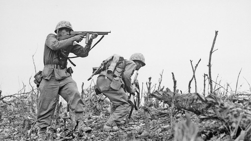 La armada estadounidense recupera un uniforme similar al de la II Guerra Mundial