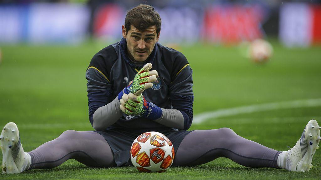 """Casillas bromea desde el hospital recordando una canción de Marisol: """"Yo con el corazón contento"""""""
