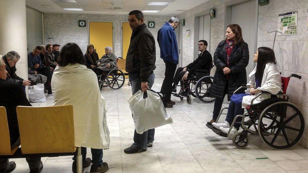 Paciente esperan su turno en una consulta