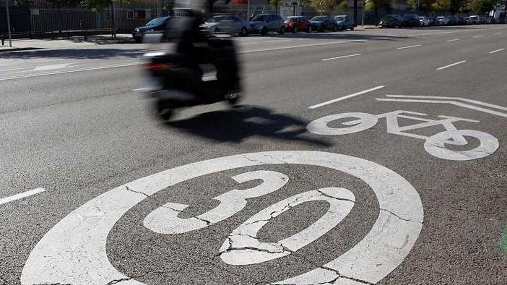 Más de la mitad de los españoles, en contra de limitar la velocidad en ciudades a 30km/h
